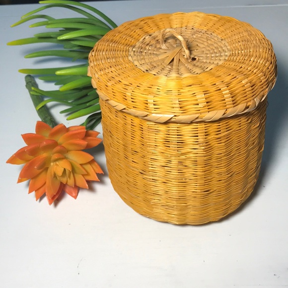 Vintage boho small round wicker basket with lid